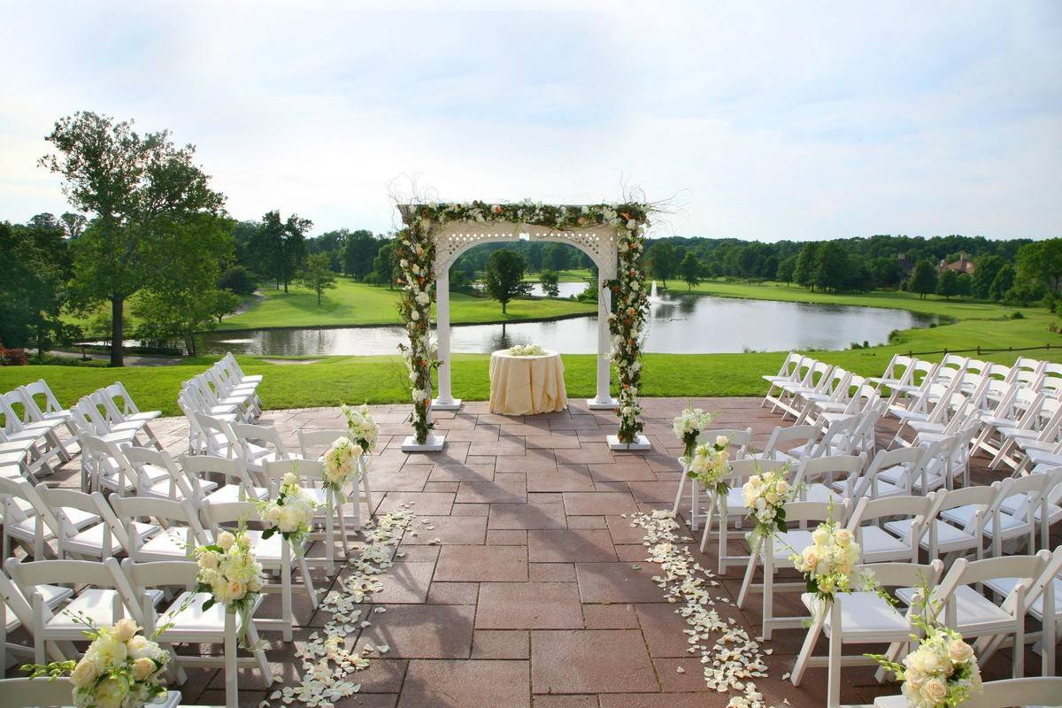 Your outdoor wedding ceremony at Brooklake