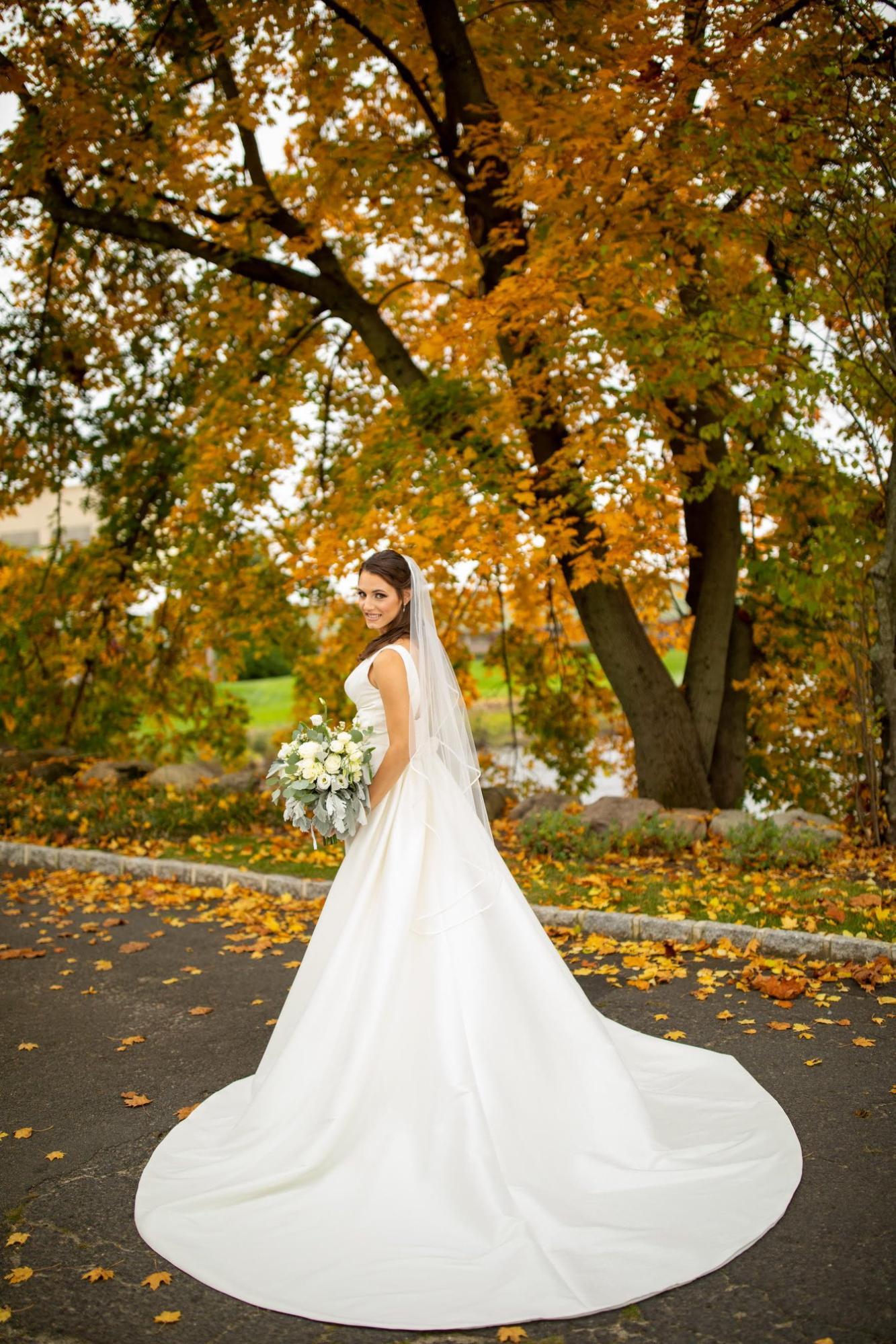 Fall bride at autumn wedding in Northern NJ Brooklake