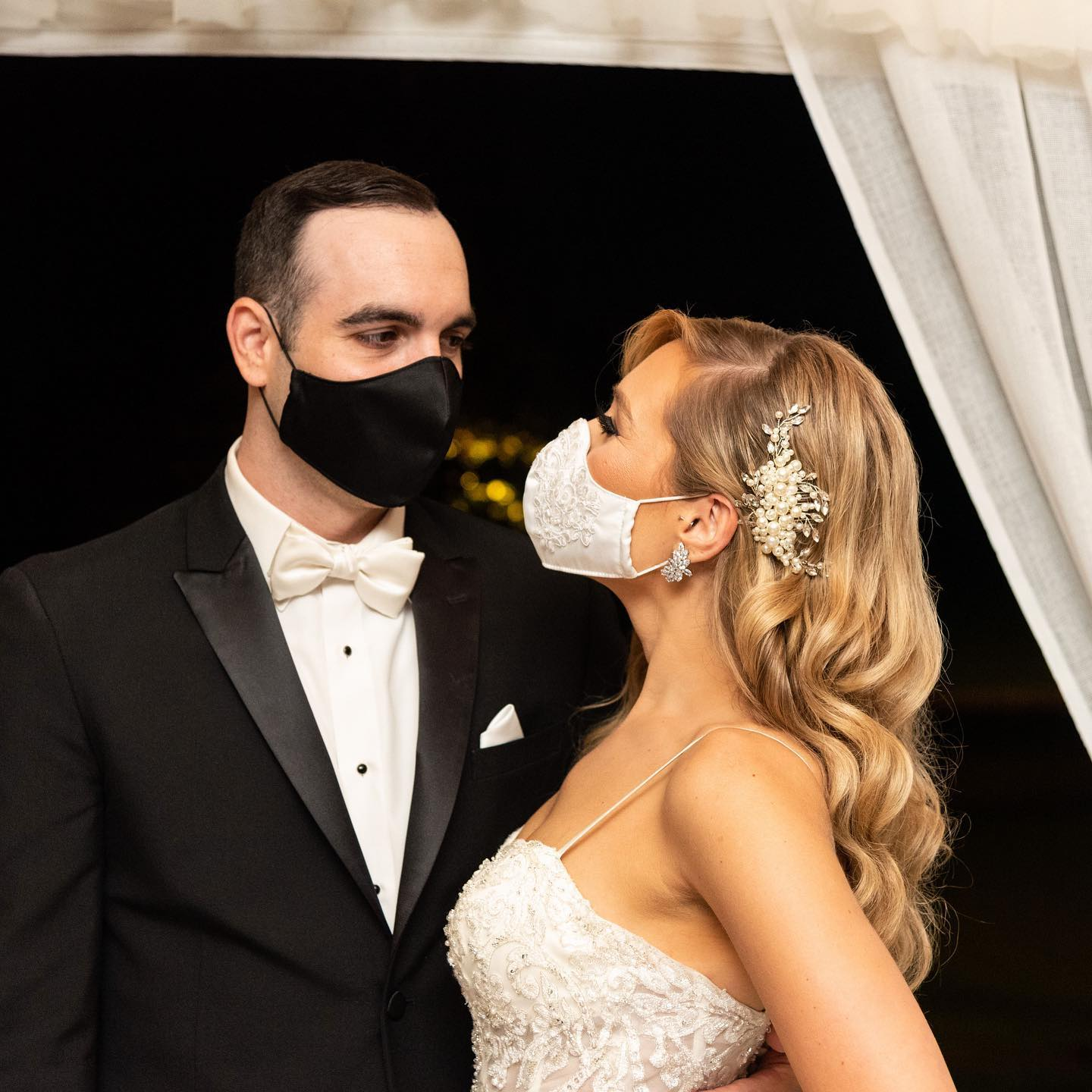 Wedding couple with masks during Covid-19 at Brooklake, venue in Northern NJ